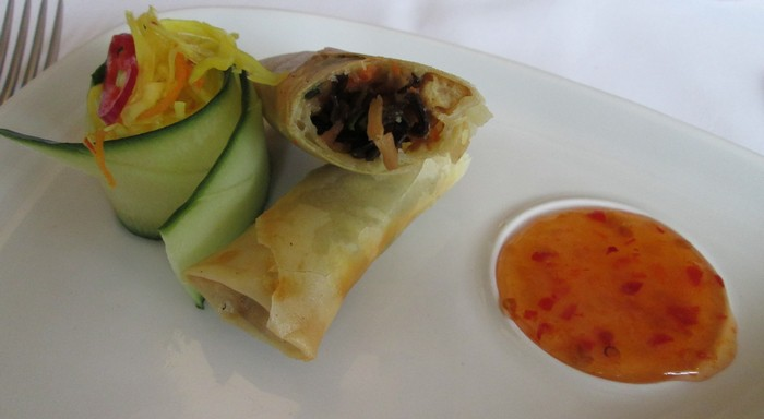 homemade vegetable loempia, with tofu and finely sliced pieces of mushroom