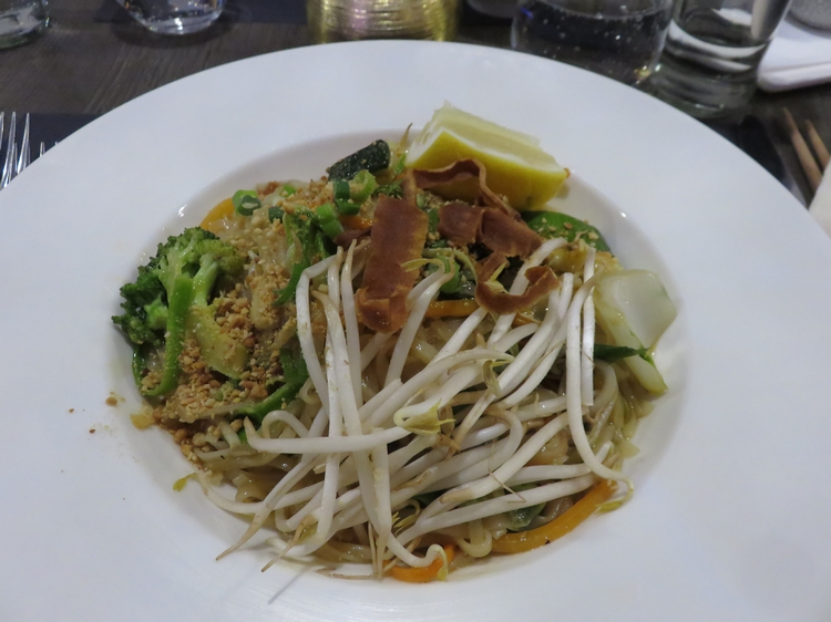 Noodles with vegetables,  12€