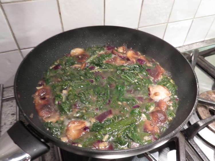 Umeboshi broth with soba noodles, preparation