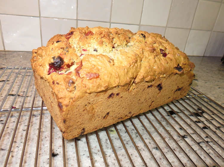 Cranberry bread with papaya and nuts