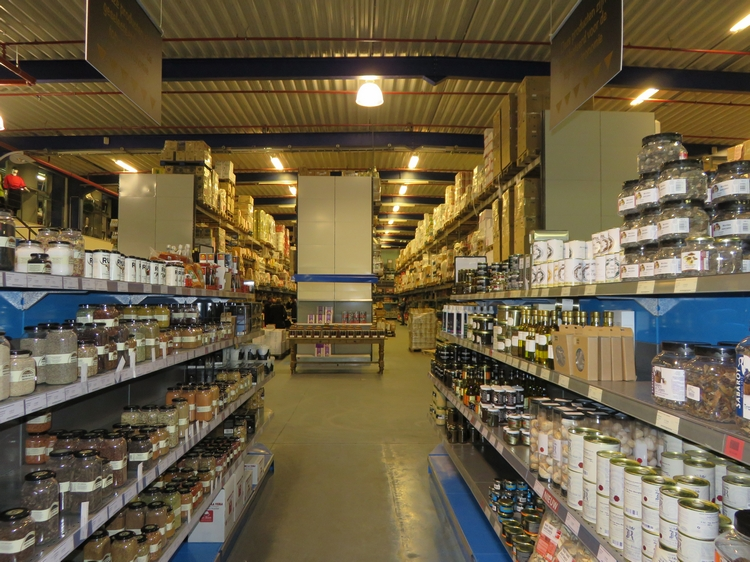 A look inside shop Horeca Totaal Bruges. It's HUGE!