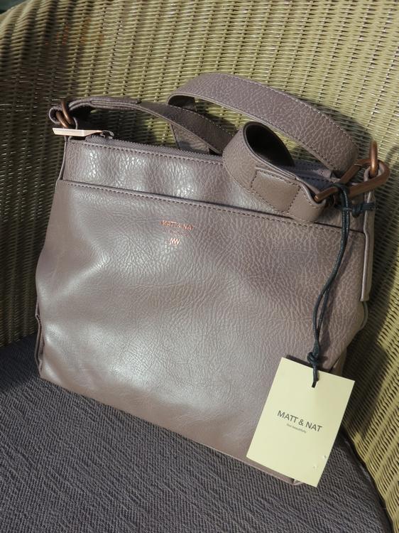 Matt & Nat handbag Jorja Blush, 108€ at discount price: 90€