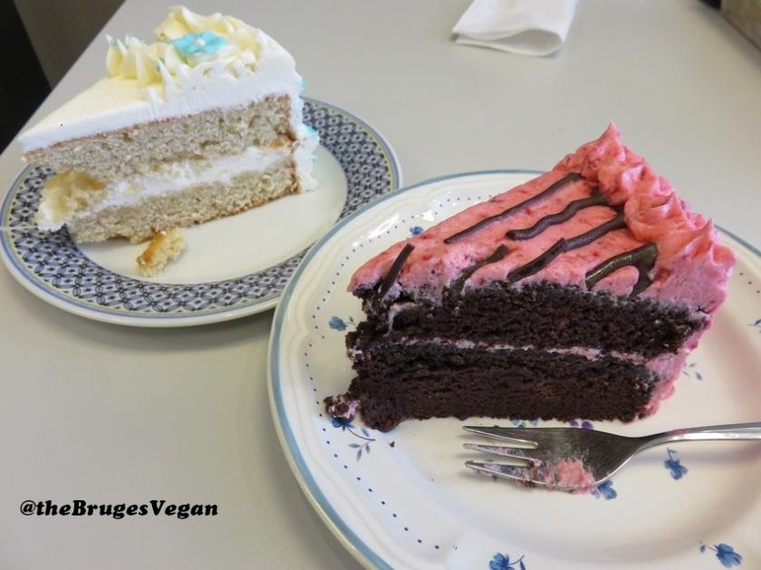 Vanilla pie and raspberry pie, 5€ each