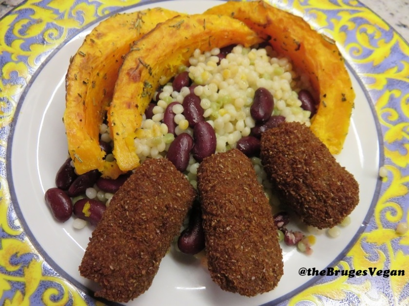 Tofucroquettes with pearl couscous, beans and pumpkin