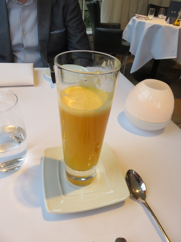 Orange juice, 10€