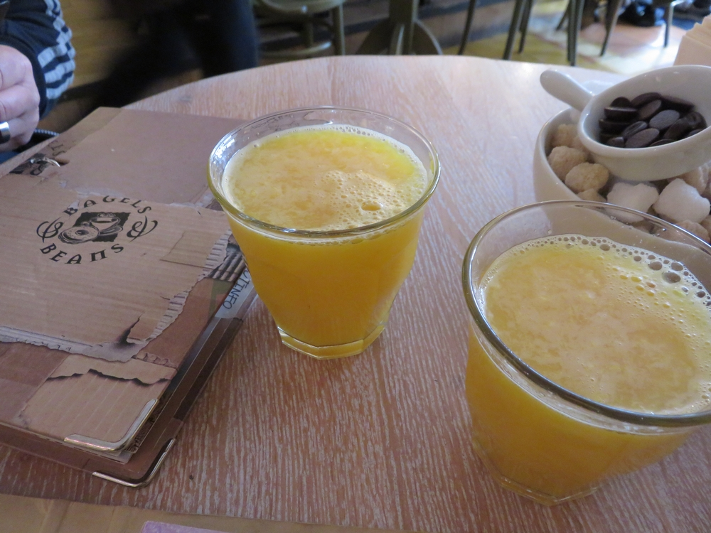 small orange juice, 2,60€