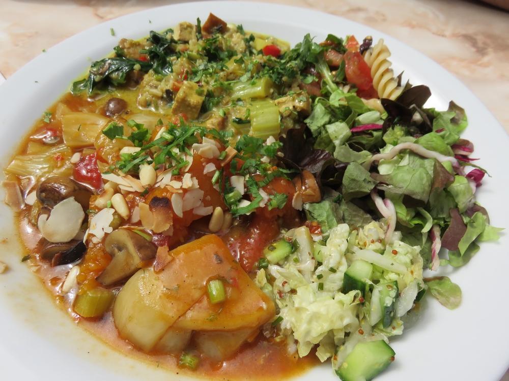 Large vegetable dish (no grains), 11€