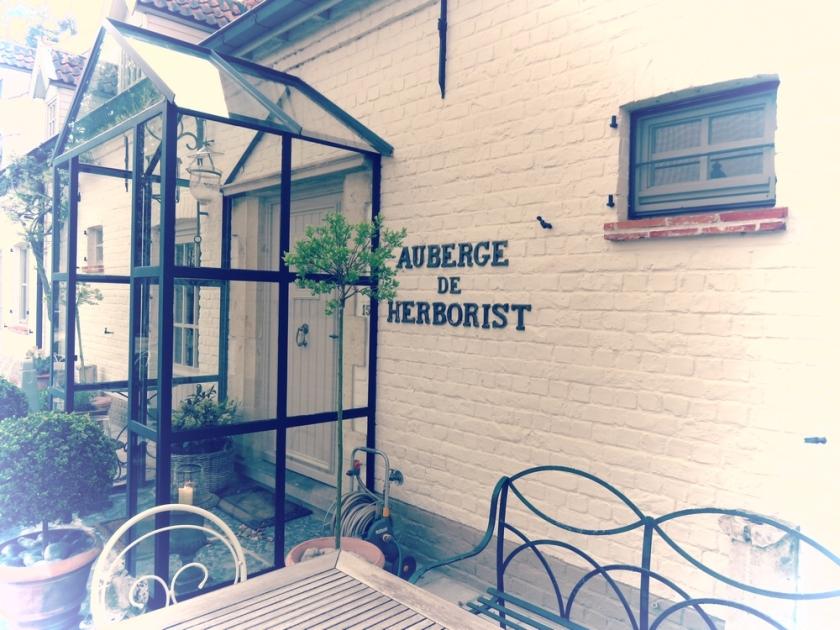 Auberge de Herborist, entrance