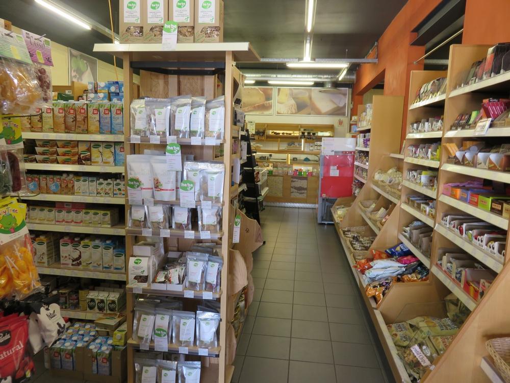 a look inside Biomarkt