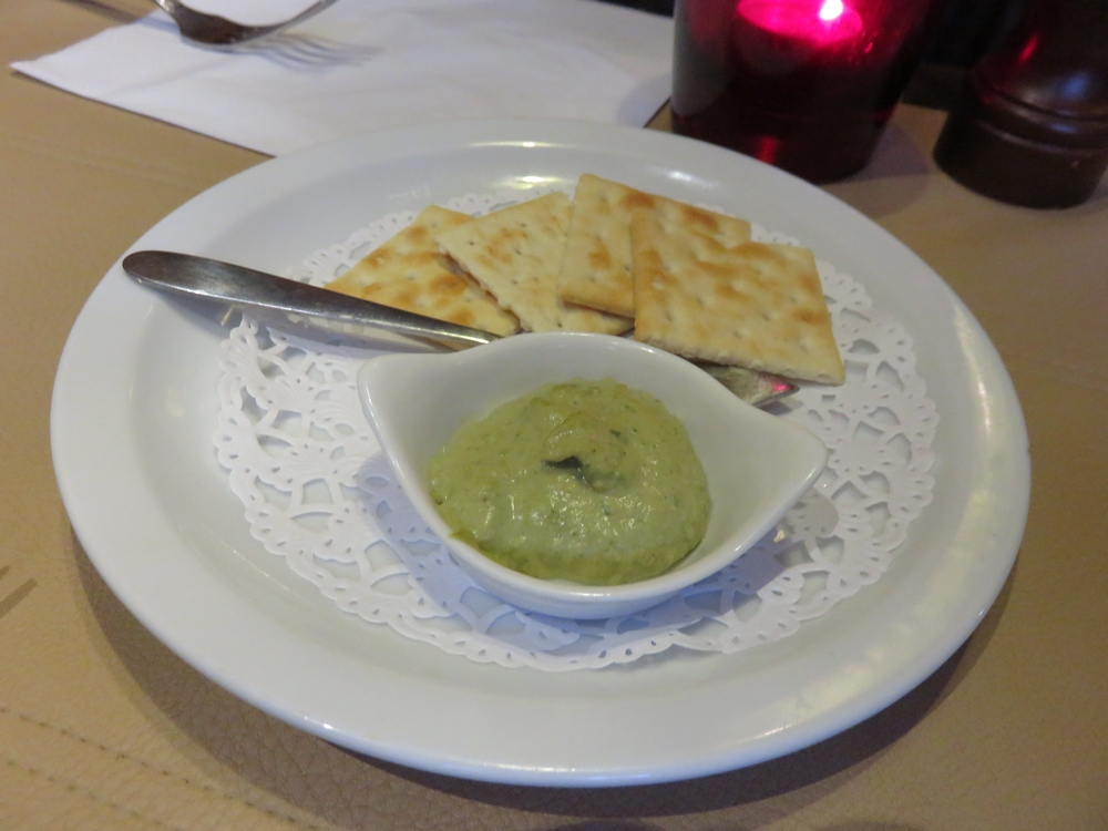 Appetizer, beans and parsley cream and cracker