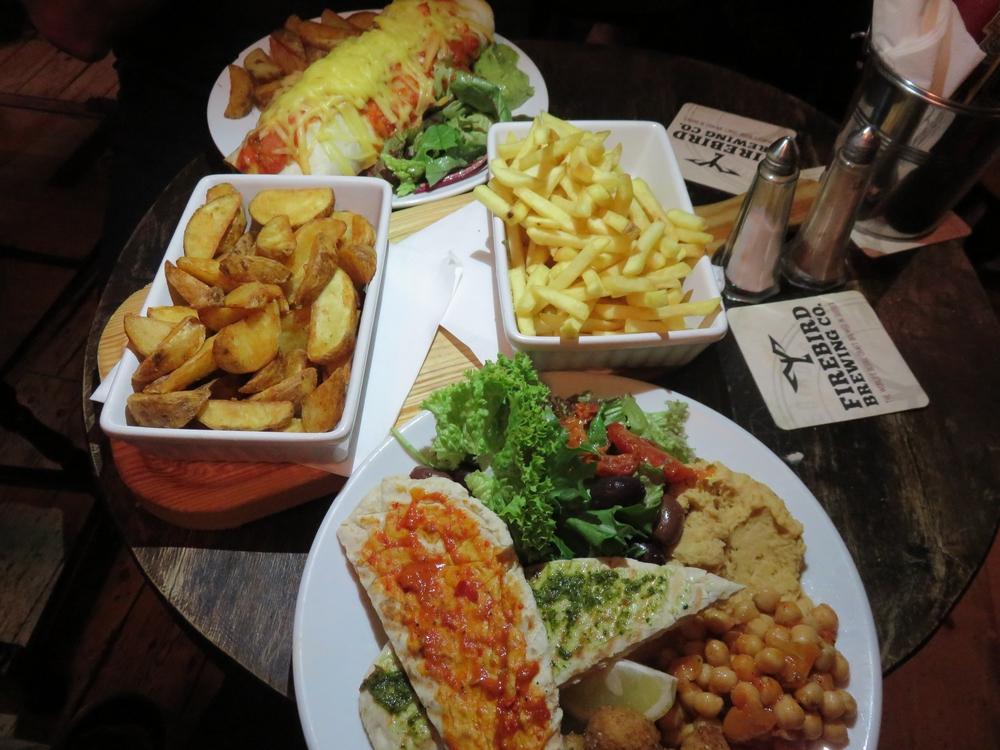 46 nice vegan pub food at the prince george in brighton for Bar food vegetarian
