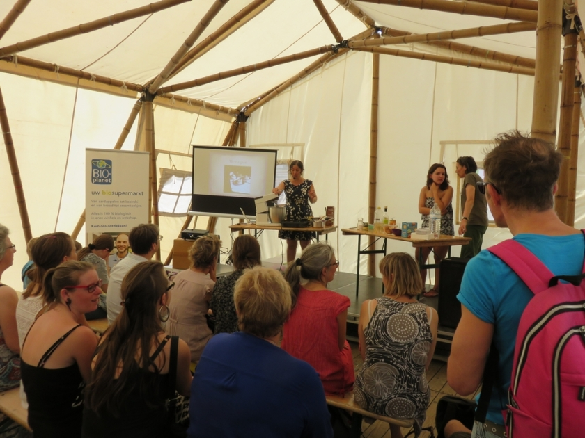 Tent with fooddemos