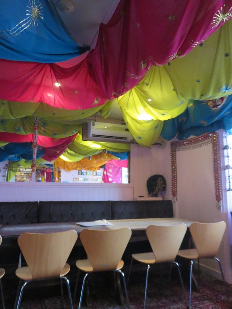 vegetarian rstaurant Planet India, colourful interior