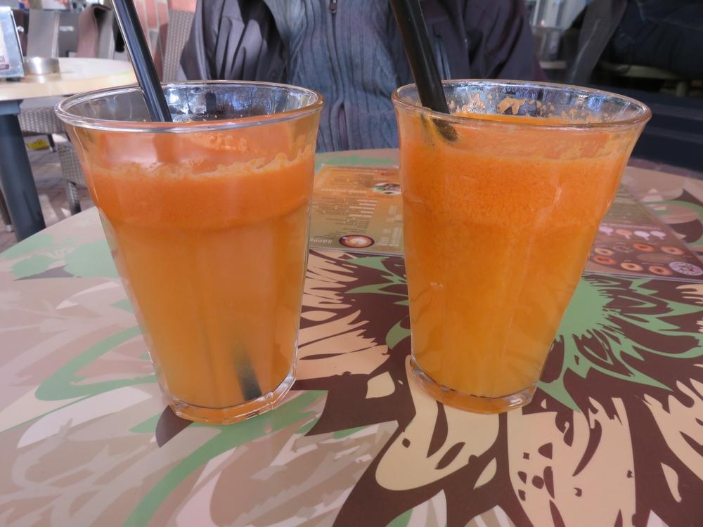 Freshly pressed juices, each 3,95€
