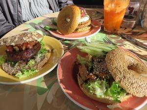 Dutch weedburger, Chiliburger and 'chicken pieces'