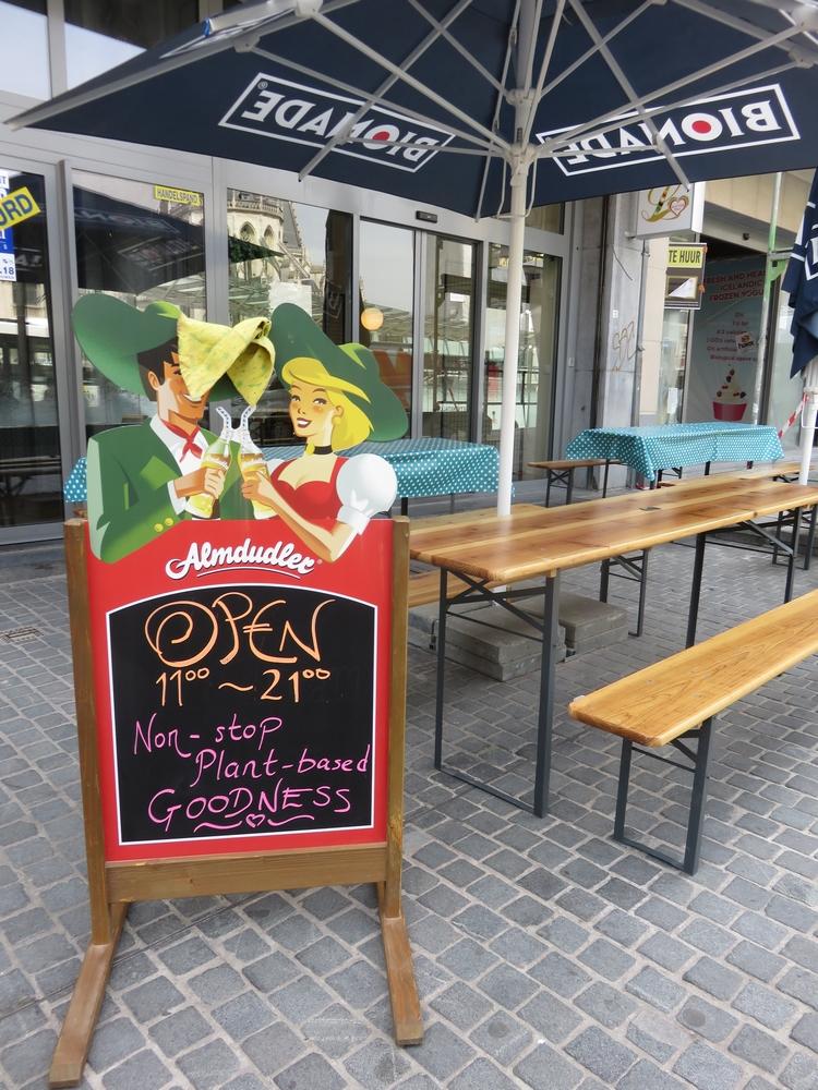 Loving Hut Veganerie, Louvain