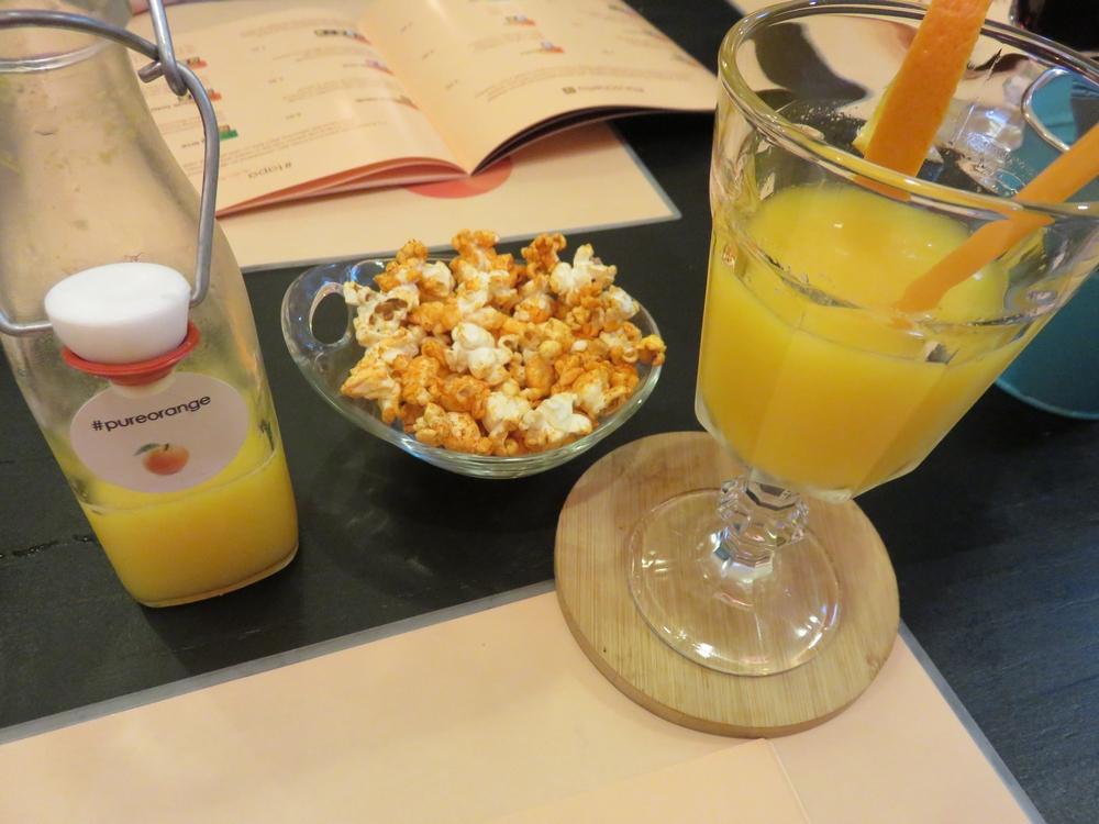 Freshly squeezed orange juice, 4,50€