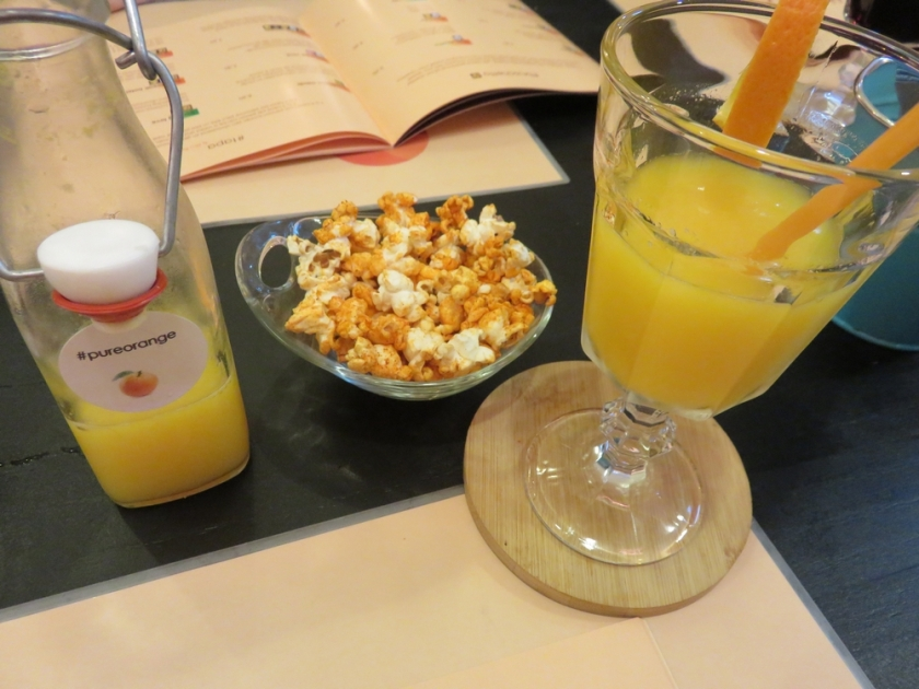 Freshly squeezed orange juice, 4,50€
