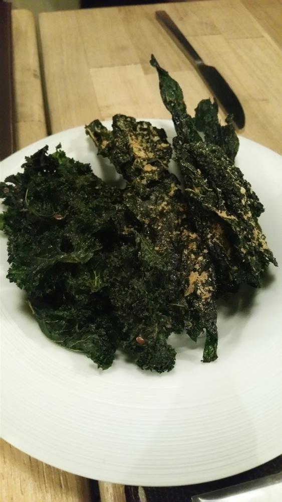 kale chips with spirulina 9€