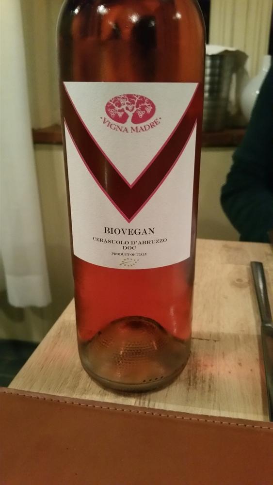 bottle of bio- vegan rosé, 25€