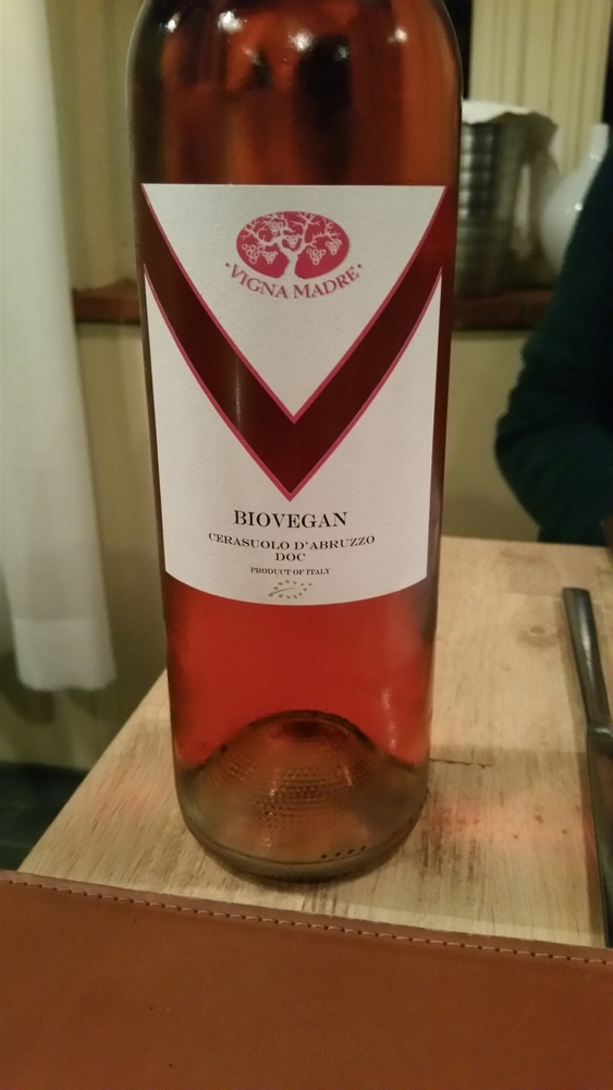 bottle of bio- vegan rosé, 25€