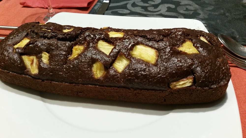 Chocolate cake with pineapple
