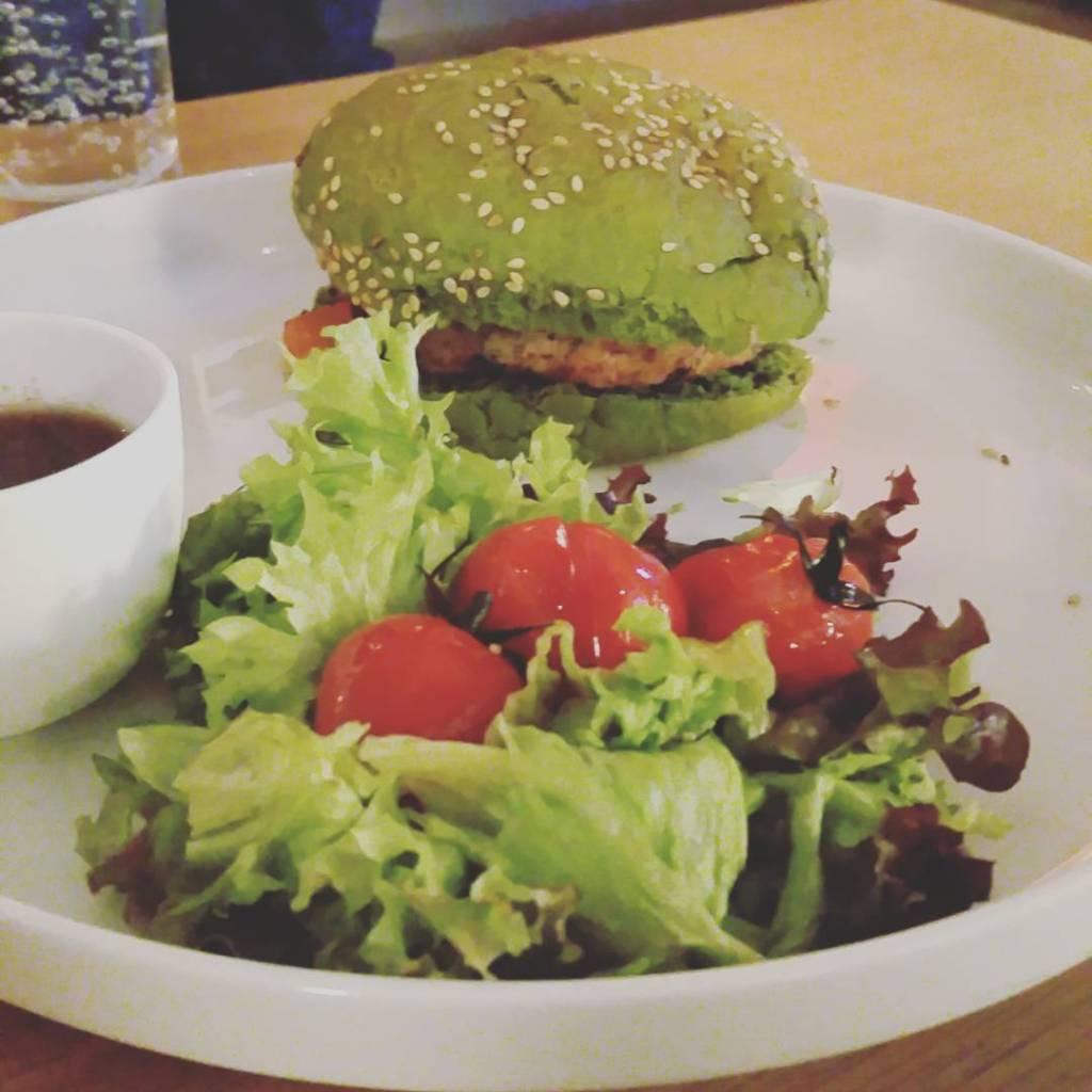 Dutch weedburger at Novotel, Bruges