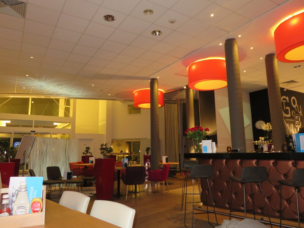 restaurant and bar Novotel Bruges, interior