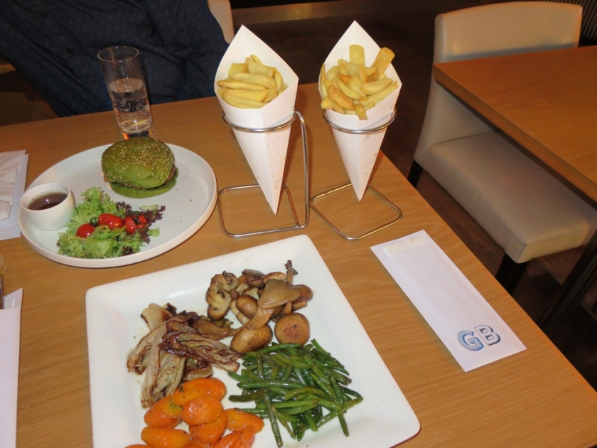 dutch weedburger 11€, fries 3,50€ each, warm vegetables 11€