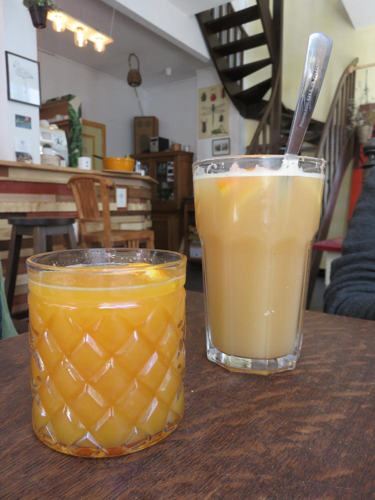Organge juice an hot ginger drink