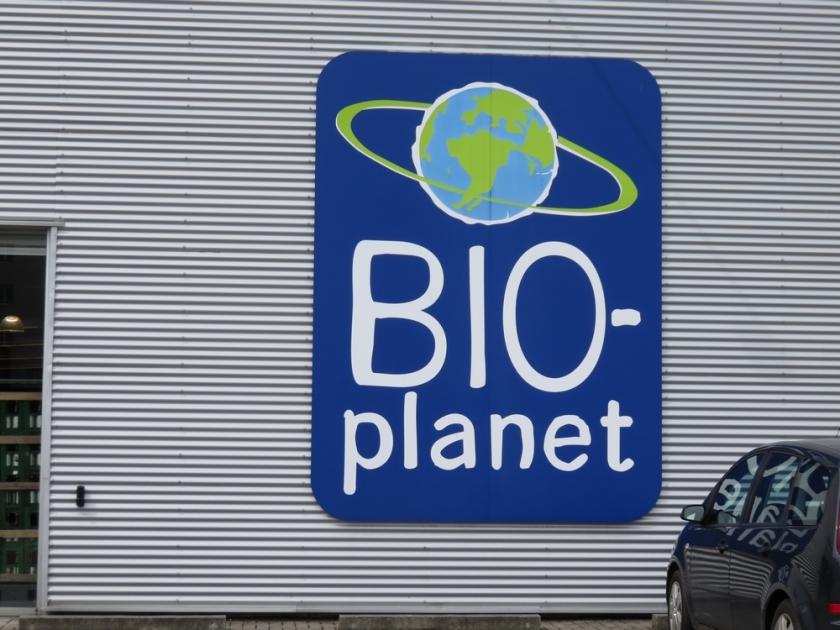 Bioplanet logo outside the shop Bruges
