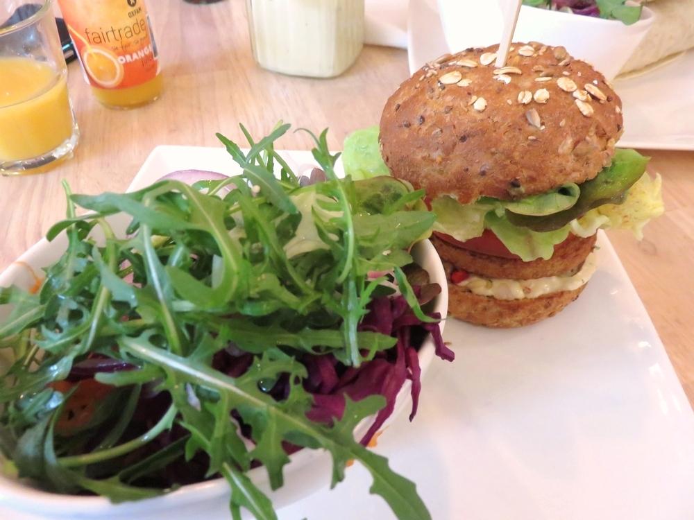 Mexcian burger 7,95€ and mixed salad 3,95€
