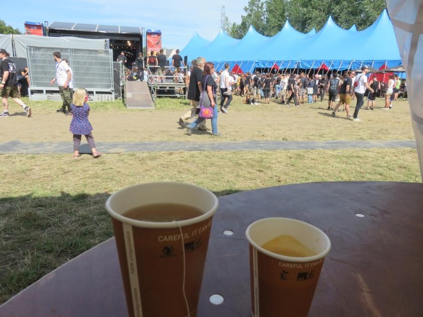 Tea and coffee from Koek & Zopie (1 token each)