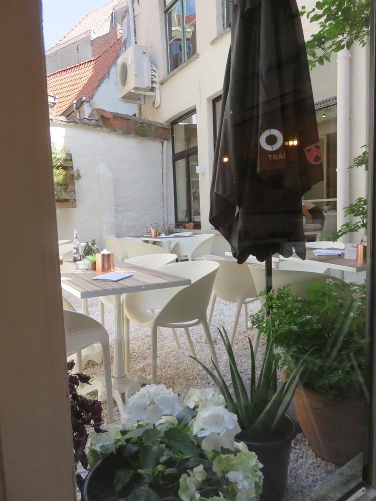Grün, terrace at the back