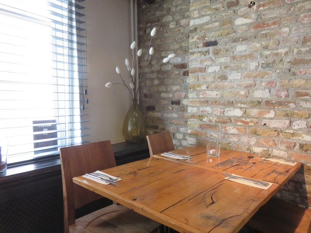 Tom's Diner, interior, Bruges