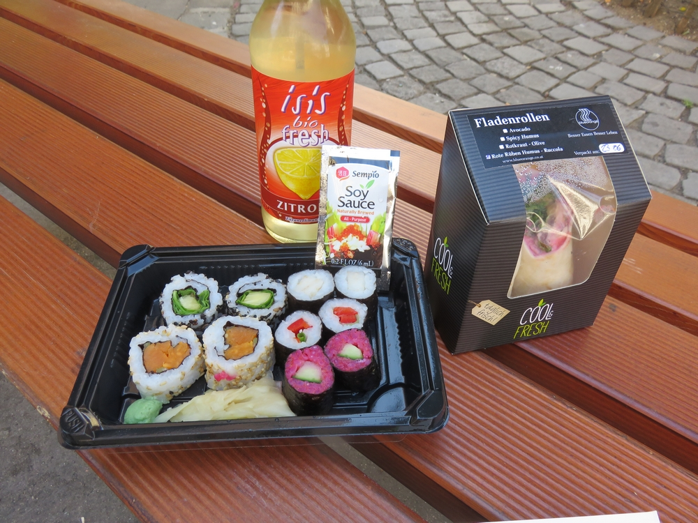 Our lunch from Veganz: sushi, wrap and apple juice.