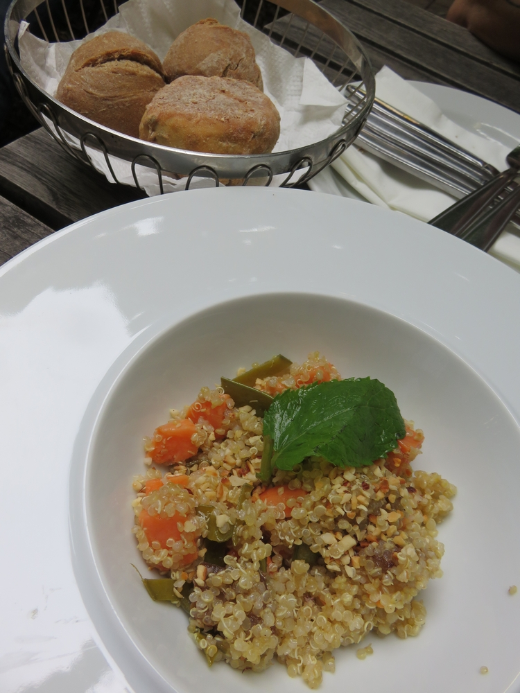 appetizer: quinoa with some vegs