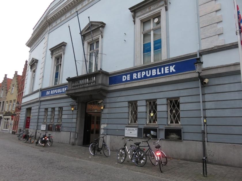 De Republiek, front, Bruges