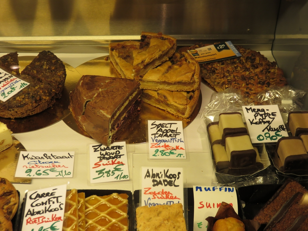 vegan pastry (labelled 'veganistisch') at Panda, Ghent