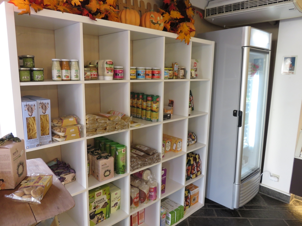 vegan items for sale at Bakkerij Filip, Kuurne