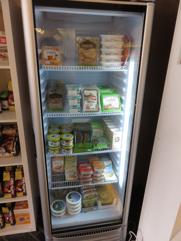 fride with vegan products at Bakkerij Filip, Kuurne
