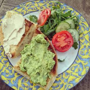 Lunch! Toast with homemade #guacamole and #hummus. 🌿🍀🌿🍀🌿🍀🌿🍀
