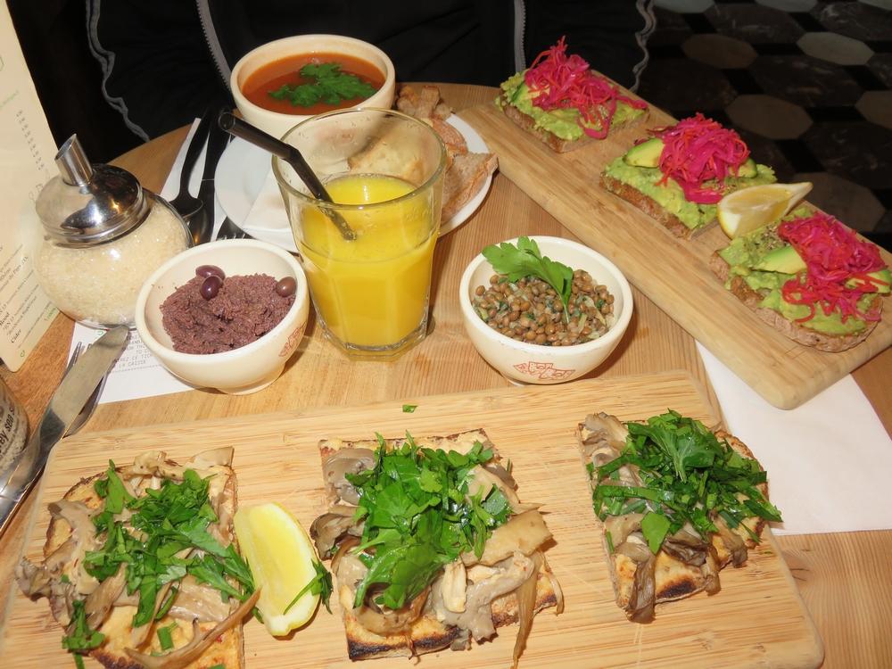 lunch at Le Pain Quotidien, Bruges
