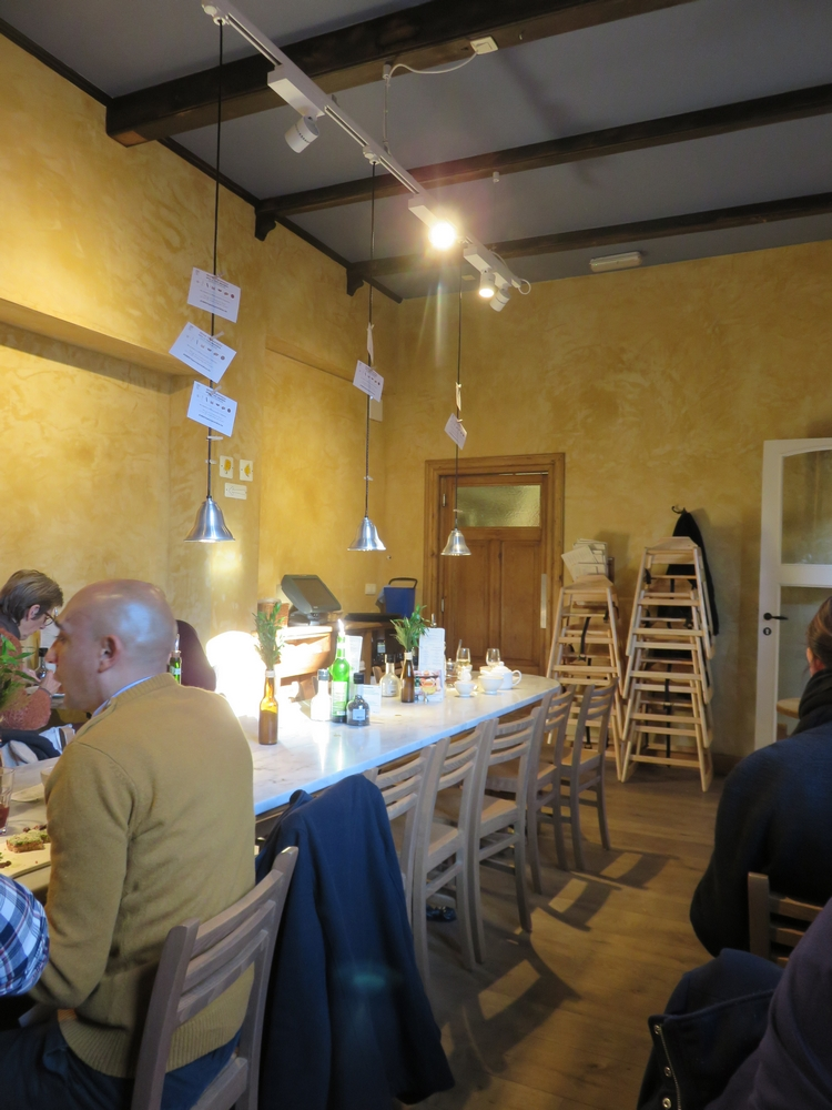 interior, Le Pain Quotidien, Bruges