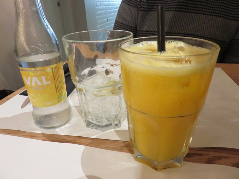 Orange juice, 5€ and tonic; 2,60€, Nomad Bruges