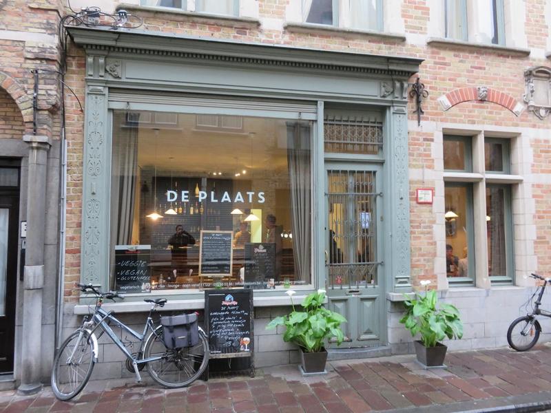 132 Our dinners at veggie bistro De Plaats, Bruges | The Bruges Vegan