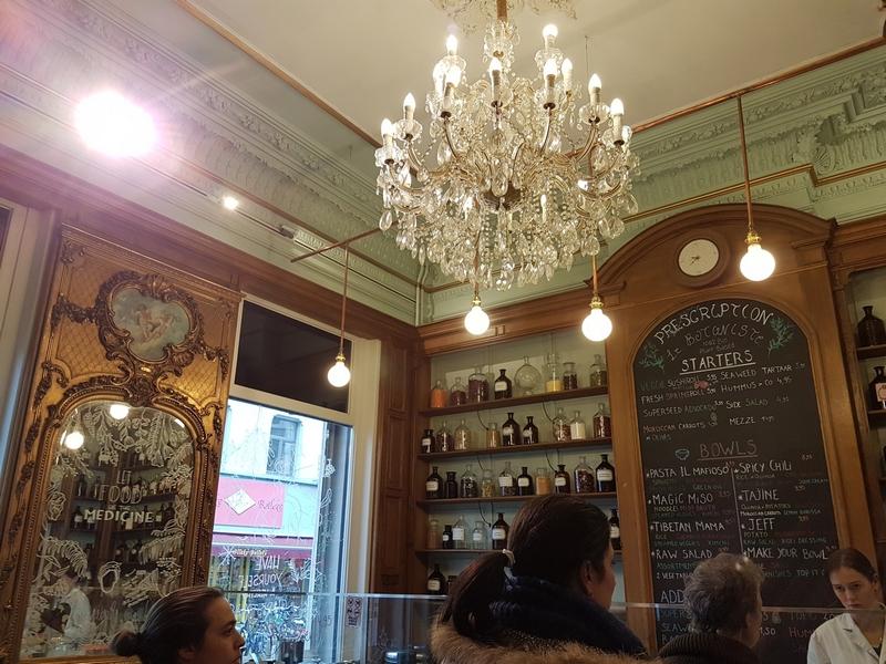 interior, nice chandelier, le Botaniste, Ghent