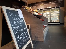 Cash free, only pay with cards, Origin'O, Bruges