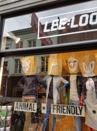 vitrine, Leeloo, Bruges